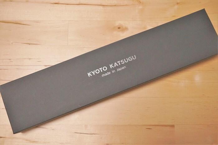<京都活具>の包丁が入った化粧箱。