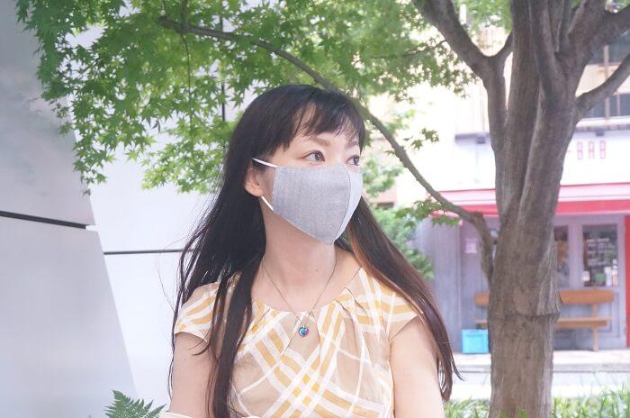 麻60%だから通気性抜群で息苦しくないマスク。