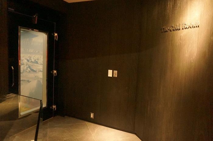 カナダグースバンフ店のThe Cold Room(コールドルーム)。