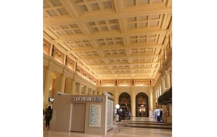 ウォーターフロント駅のなか。