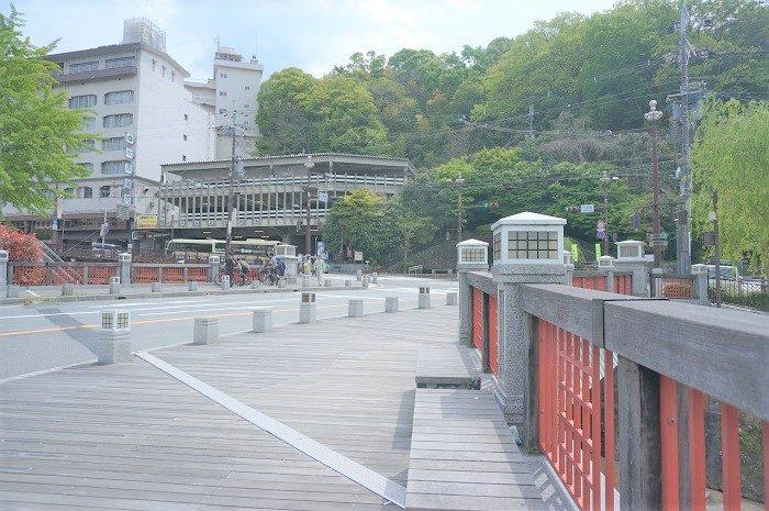 太閤橋からスグ!増富稲荷神社でいいことありそう|三ノ宮駅から有馬温泉までバス移動&増富稲荷神社をお詣り