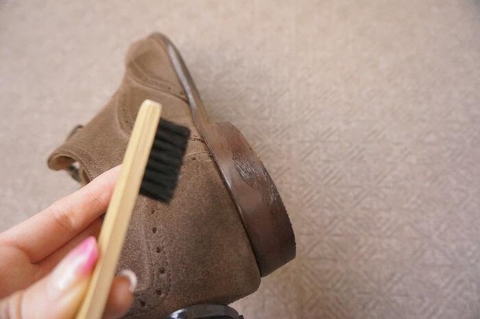 元靴ショップの店員が教えるコバのお手入れ方法。