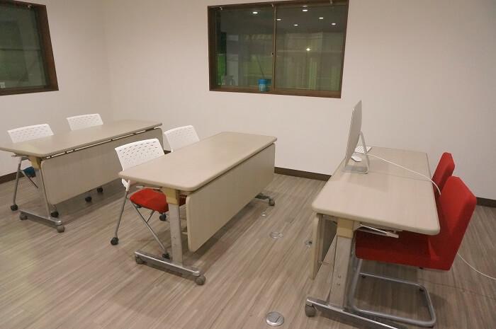 DSJ東京中目黒校・船堀飛行場の座学講習を受ける教室はここ。2階にあります。