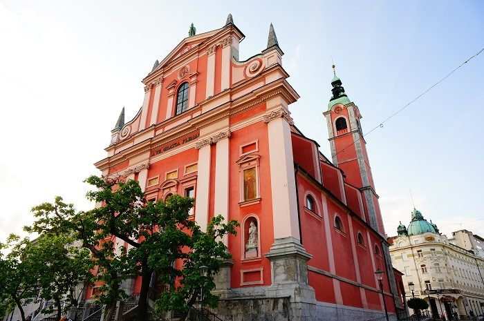 海も、山も、湖も、洞窟もたのしい!スロベニアへでかけよう|リュブリャナ城も徒歩圏内!観光に便利なおすすめホテル