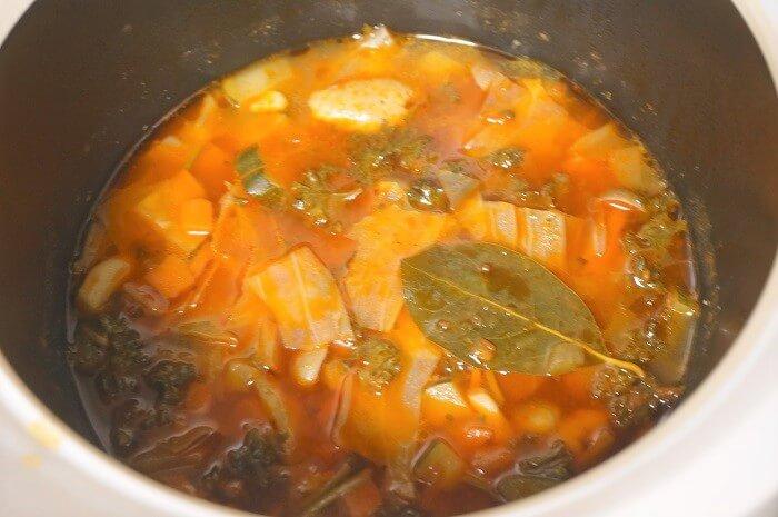 おいしいスープも無水・蓄熱機能がある土鍋なら簡単に作れる。