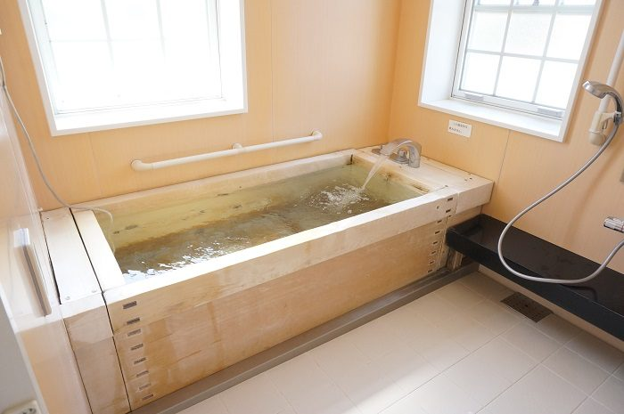 いれたての新鮮の温泉に大満足!|<シーボルトの湯>ヒノキの湯船を貸切で大満喫した話です。嬉野温泉の日帰り立ち寄り湯なら超おすすめ!