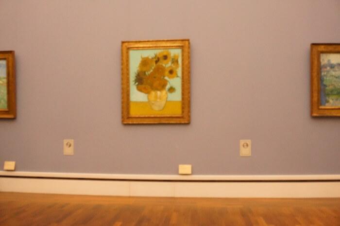 ノイエピナコテークで見るべき名画はゴッホの『ひまわり』。