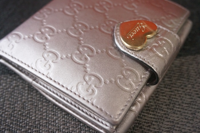 染め直し後のグッチの財布