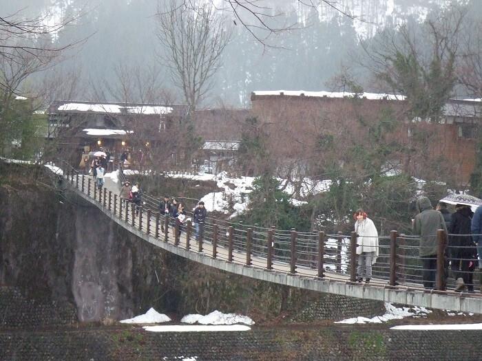寒さが厳しい冬の岐阜。だから旅行にでかけたくなるんですよねぇ!