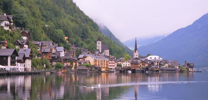 <世界遺産の湖>オーストリアの景勝地ハルシュタットの行き方