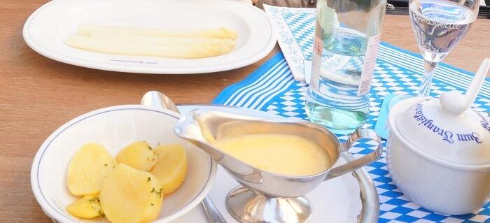 バイエルン地方では初夏に白アスパラを食べまくる!伝統の旬の料理なのです!