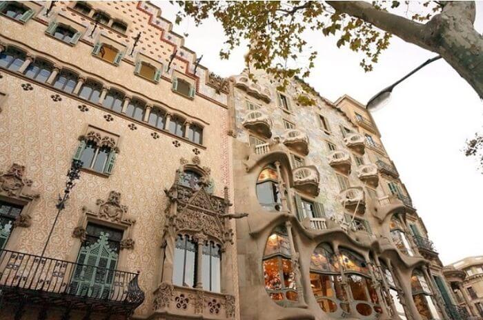 バルセロナの街を歩いて芸術に出合おう!