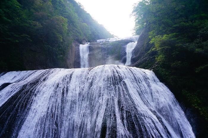 雨のあとは、迫力満点!袋田の滝。