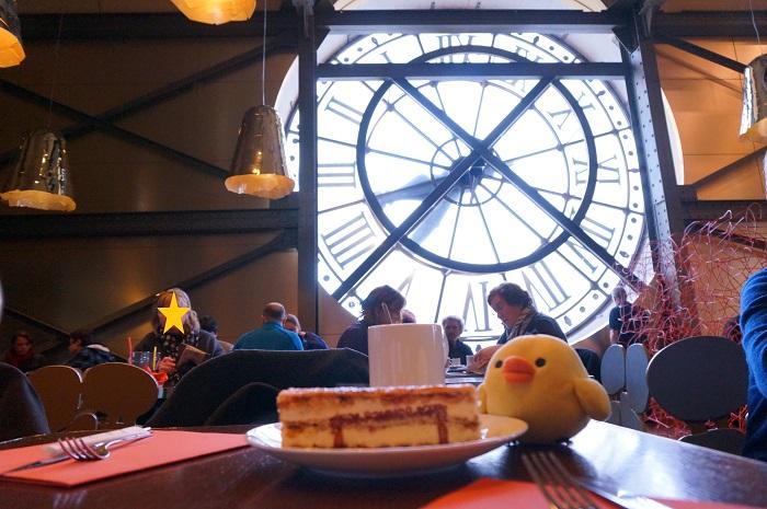 大時計のすぐ真裏。オルセー美術館のカフェ・カンパーナが超ステキ♡