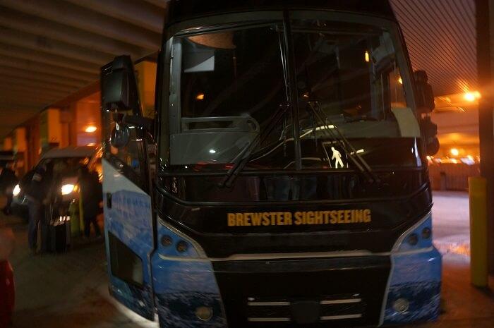 ブリュースターエクスプレスのバス。
