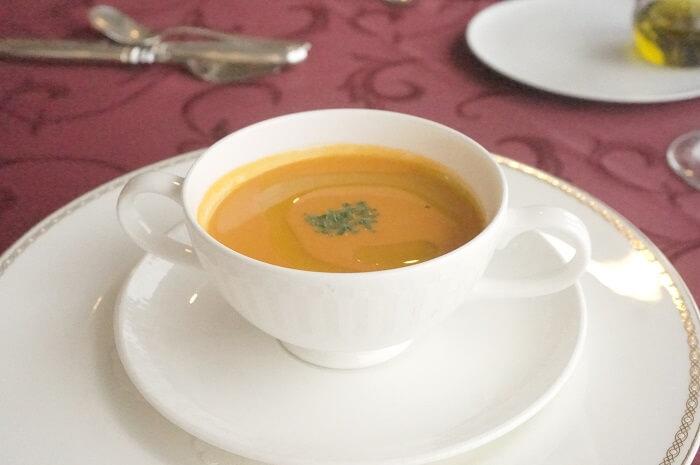 トマトの冷製スープ。