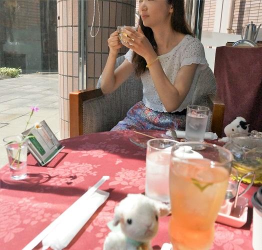 ホテルで飲んだレモングラスティーは武雄温泉の名物だった。