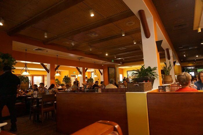 実際に行ってみた店内の様子。お客さんいっぱい。|カリフォルニア州に31店舗展開している<El Torito(エルトリト)>のアナハイム店でディナーを食べてきた本音の口コミをレビューしています。
