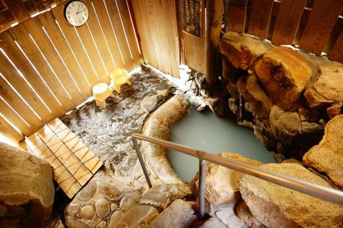 世にも珍しい世界遺産の温泉「つぼ湯」って?近くにあるおすすめホテルの宿泊レビュー。