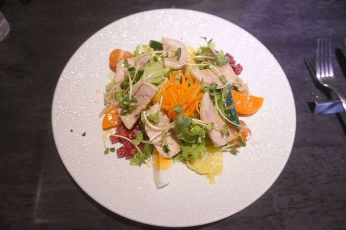 鶏ハムもおいしい。セットについてるサラダ|<Chez-Ryo(シェ・リョウ)>のランチメニュー