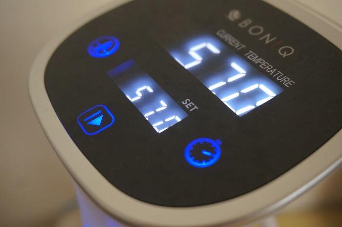 低温調理器BONIQがあれば、温度や時間の管理がとても簡単。