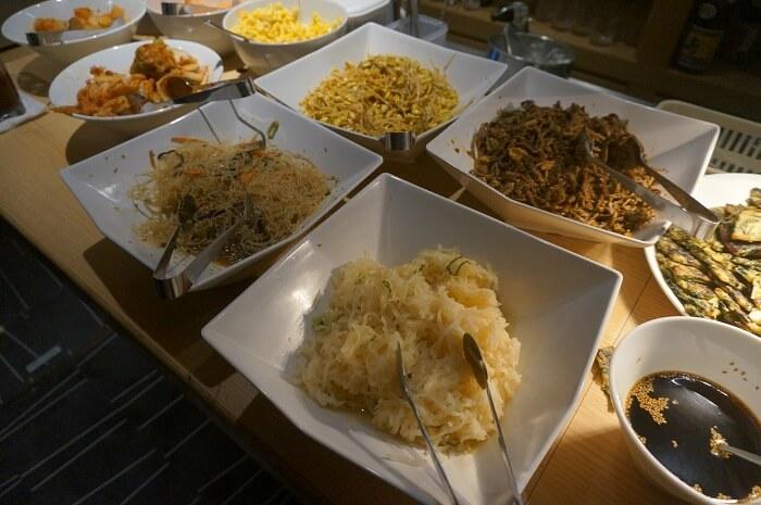 韓国料理のビュッフェが大人気。土日もやってるコスパのいい赤坂のランチスポット。