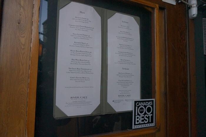 カルガリーにある人気レストラン<River Café(リバーカフェ)>のメニュー。