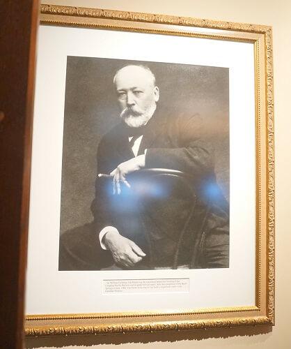 バンフスプリングスホテルの創業者は鉄道会社の社長。