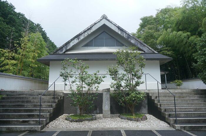 井上靖文学館の外観。