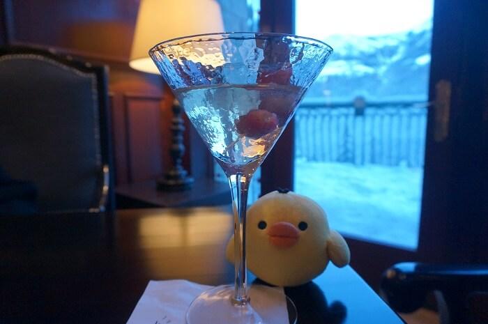 リムロックリゾートホテル(Rimrock Resort Hotel)のラウンジに実際に私がでかけた体験談です。