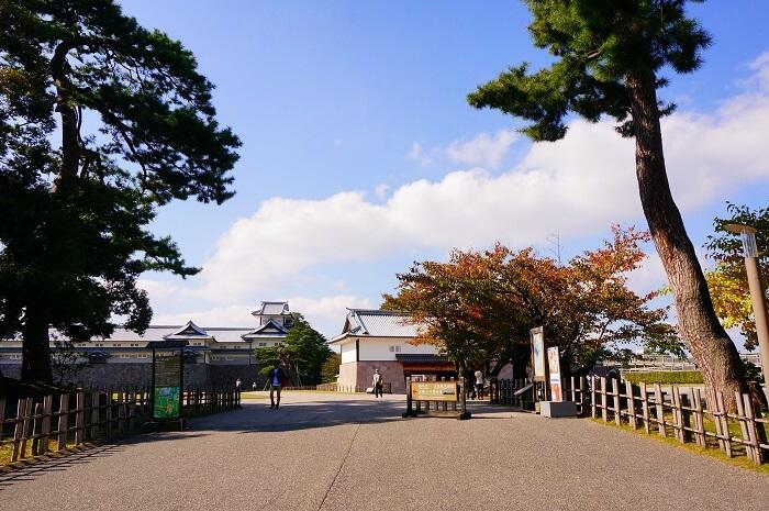 金沢の人気観光スポット・兼六園にでかけよう!