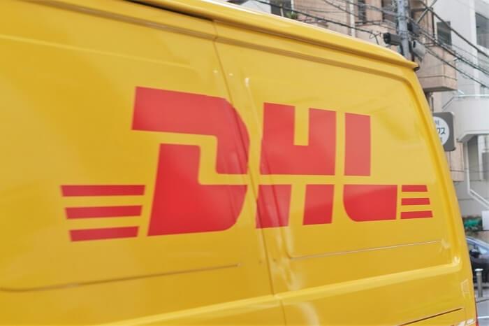 急ぎでアメリカに書類を送る方法【DHL/FedEx/UPS/OCS比較】