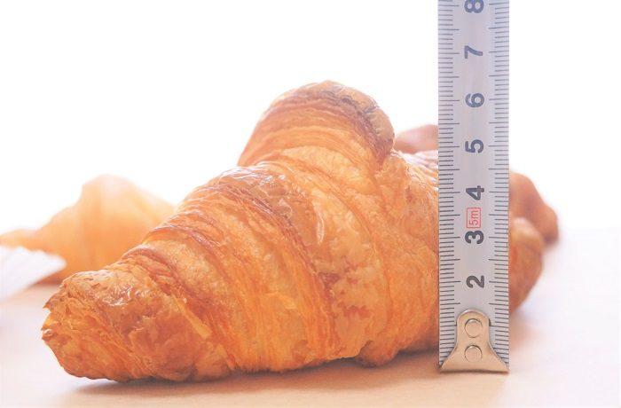 ピエールガニエールのクロワッサンは一番のふくらみ!その高さ6㎝超えです。|東京の行列パン屋8選!クロワッサンおすすめ店はココ