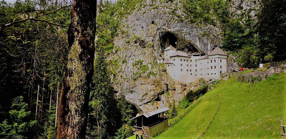 王子様じゃなくって盗賊がいる?!世にも珍しい洞窟の「プレッドヤマ城」はちょっと怖かった