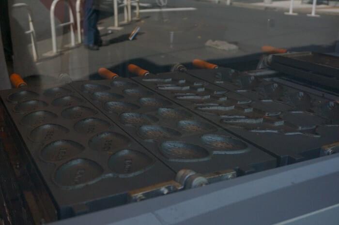 毎日、毎日、僕らは鉄板の~♪上で焼かれているのは?イワシとアジとアサリ!