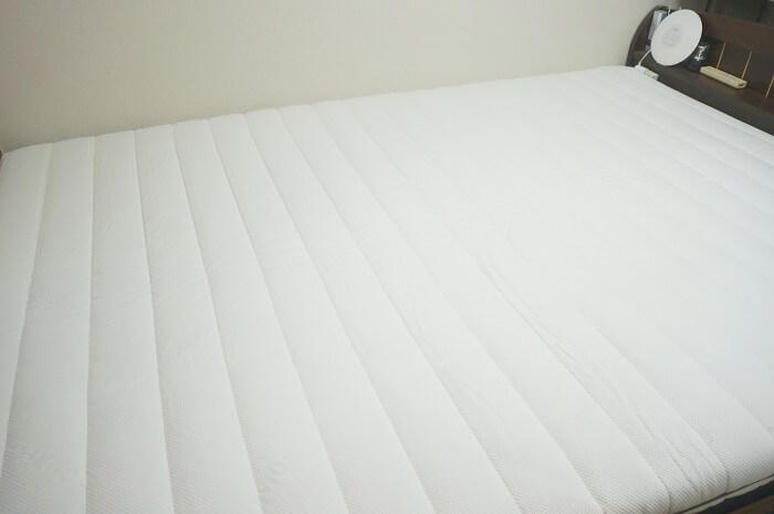SOMRESTA(ソムレスタ)のマットレスを家のダブルベッドに設置。