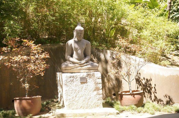 仏陀の石像も!|ノートン・サイモン美術館(Norton Simon Museum)の回遊式彫刻庭園(Sculpture Garden)