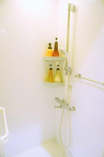 美温のホットヨガ。レッスンのあとはシャワーをあびてスッキリ