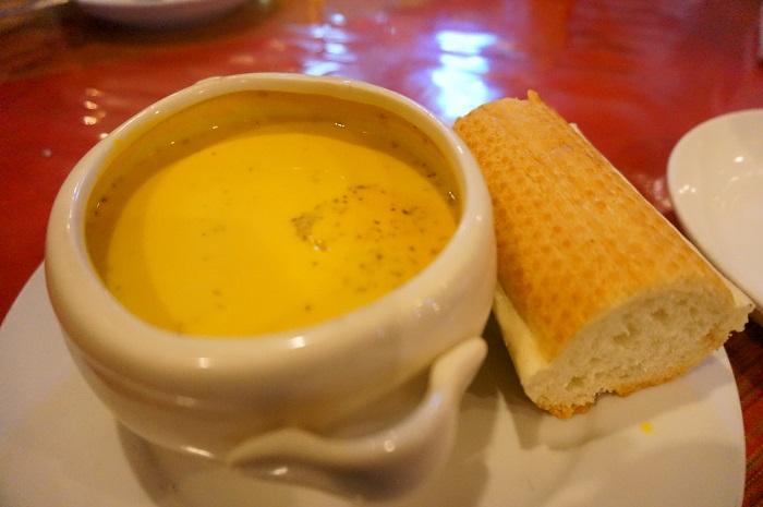 <Khmu Garden Restaurant>で食べたパンプキンスープは絶品!
