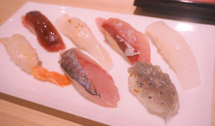ミネラル感あふれるオイル寿司の塩の世界。
