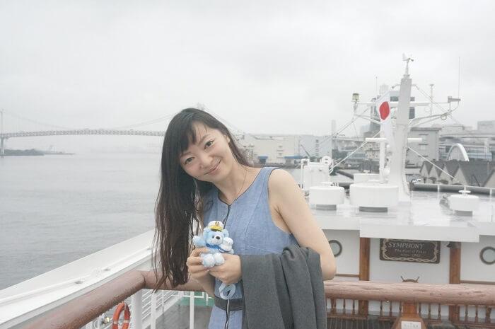 シンフォニークルーズベアと船上でぬい撮り。