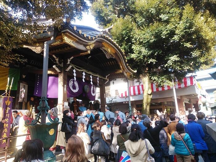 赤坂の豊川稲荷。節分はイベントがやってたよ。スゴイ人混み。