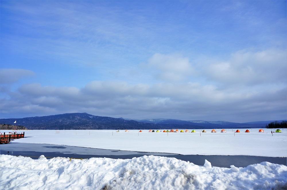氷上で遊べる!冬の阿寒湖温泉旅は観光の魅力いっぱい!
