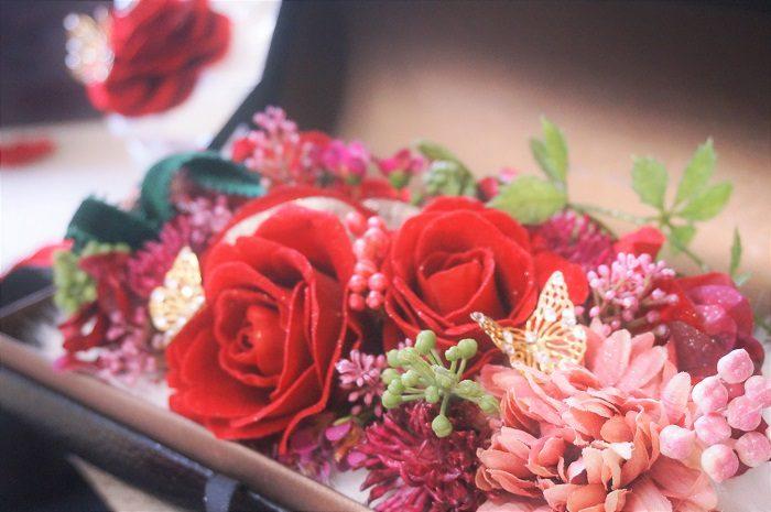 美しいアートフラワー。枯れない花を大切な女性へ贈りませんか?|誕生日やプロポーズに!思い出に残るプレゼントの選び方