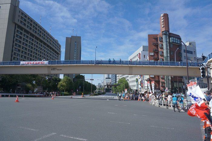 秋晴れの空|2019年9月MGCマラソン【飯田橋交差点下にて撮影】