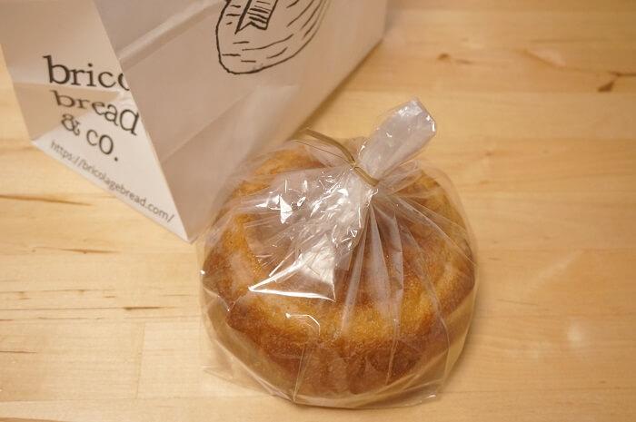 六本木の「bricolage bread and co.(ブリコラージュ)」というパン屋さんで、「パンドミプレミアム」を買ってきた。