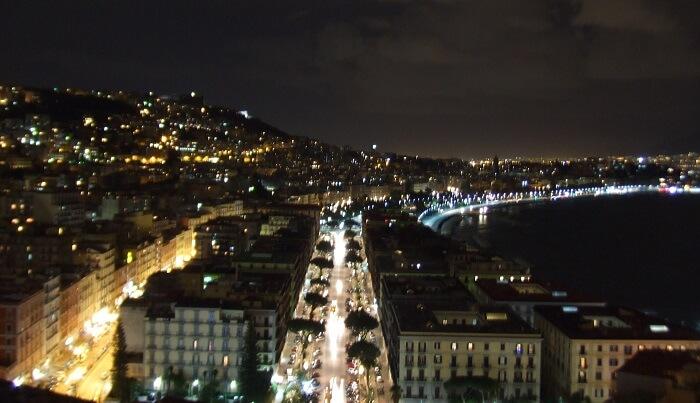 ナポリの一人歩きは危険!本当にあった怖い話。旅行に出かける前に気を付けることは?