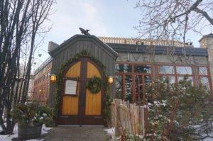 ボウ川の中州「プリンシズアイランドパーク(Prince's Island Park)」にあるとっても素敵な<River Café(リバーカフェ)>