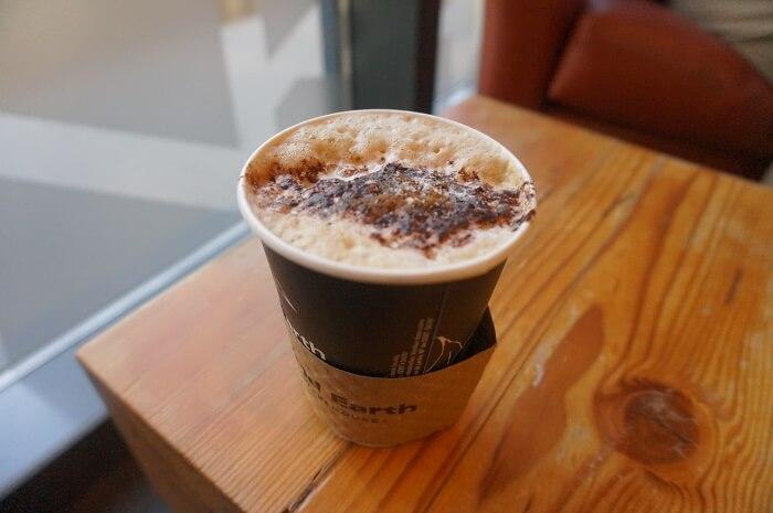 オリンピック・プラザ(Olympic Plaza)近くのカフェもご紹介。