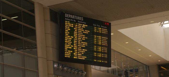 <クレジットカードの海外旅行保険>台風で飛行機が3時間遅れたらどうなる?